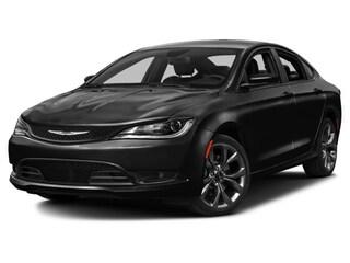 2016 Chrysler 200 S Car