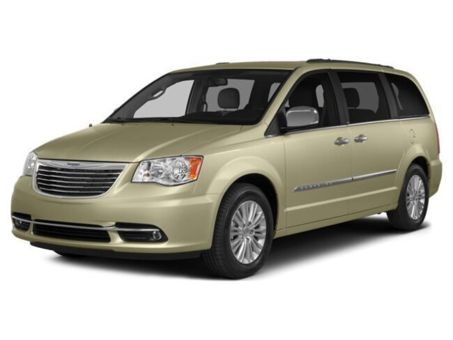 Certified Pre-Owned 2016 Chrysler Town & Country Touring-L Van LWB Passenger Van in Manchester, NH
