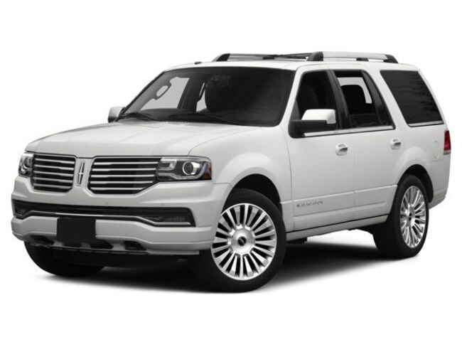 2016 Lincoln Navigator 4x4 with Nav, Power Moon Roof, 22 Wheels 4WD  Select