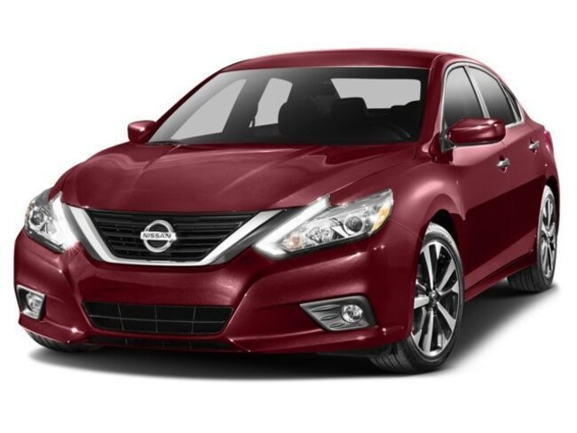 Used 2016 Nissan Altima 2.5 SR Sedan in Maplewood, MN