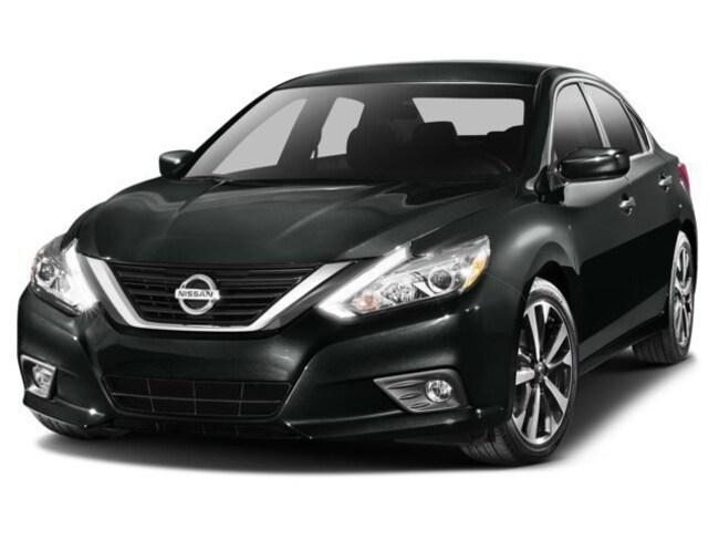 Used 2016 Nissan Altima 2.5 SV Sedan in Maplewood, MN