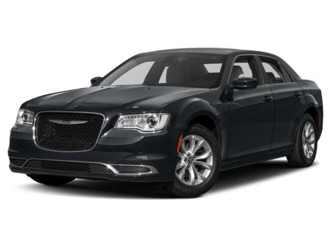 2017 Chrysler 300 Limited Sedan