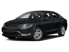 New 2017 Chrysler 200 Limited Sedan Sand Creek