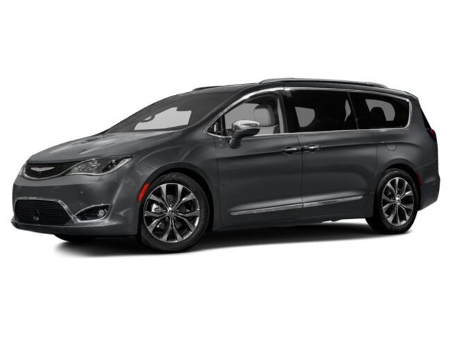 New 2017 Chrysler Pacifica TOURING Passenger Van Ft Thomas