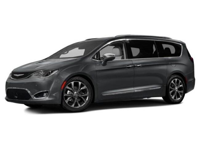2017 Chrysler Pacifica TOURING Passenger Van