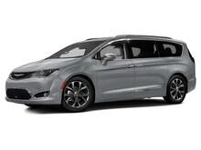 2017 Chrysler Pacifica Touring Van