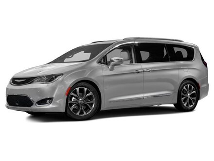 2017 Chrysler Pacifica SUV TRG
