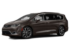 Certified Pre-Owned 2017 Chrysler Pacifica Touring L Minivan/Van 2C4RC1BG7HR705491 19564AAA in Bristol, CT