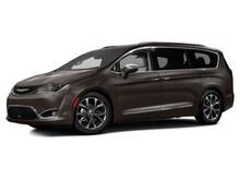 2017 Chrysler Pacifica Touring Plus FWD Van