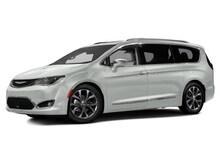 2017 Chrysler Pacifica Touring-L Navigation Minivan