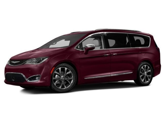 2017 Chrysler Pacifica Touring-L Plus Minivan/Van