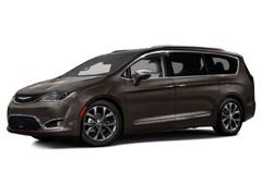 2017 Chrysler Pacifica Touring-L Plus FWD Minivan