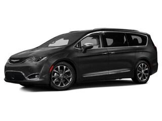 2017 Chrysler Pacifica Touring-L Plus Van Danbury CT