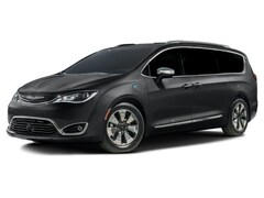 New 2017 Chrysler Pacifica Hybrid Platinum Van Passenger Van in The Dalles