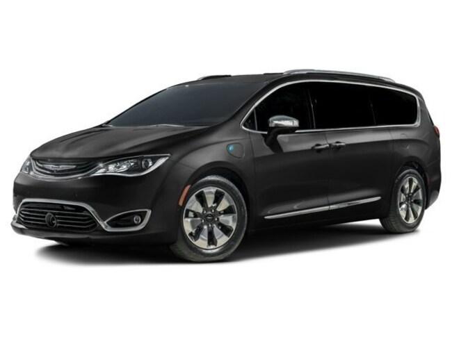 New 2017 Chrysler Pacifica Hybrid Platinum Van Passenger Van in Richmond, CA