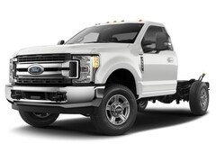 2017 Ford F-350 Chassis XL Truck Regular Cab