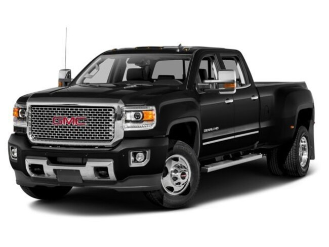 2017 GMC Sierra 3500HD Denali Crew Cab Short Bed Truck