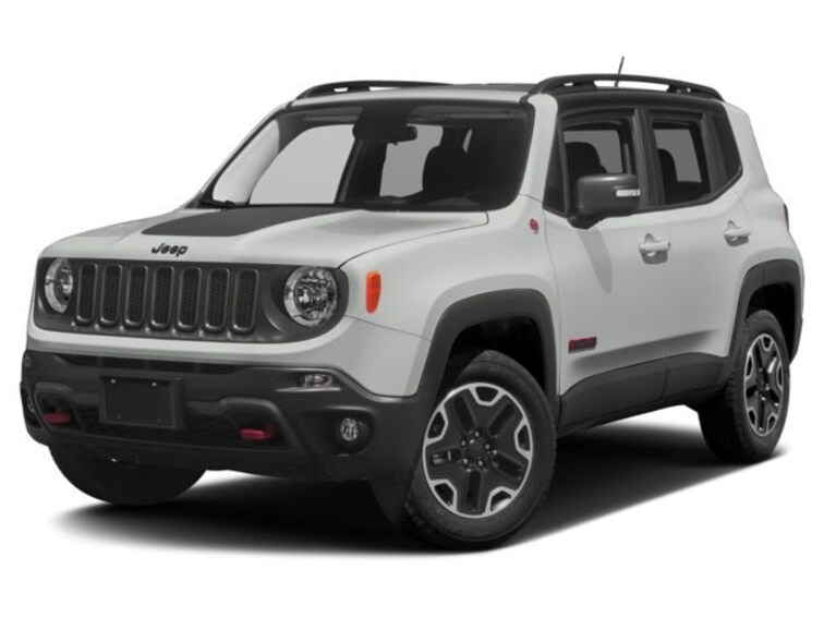 Used 2017 Jeep Renegade Trailhawk 4x4 SUV For sale in Janesville
