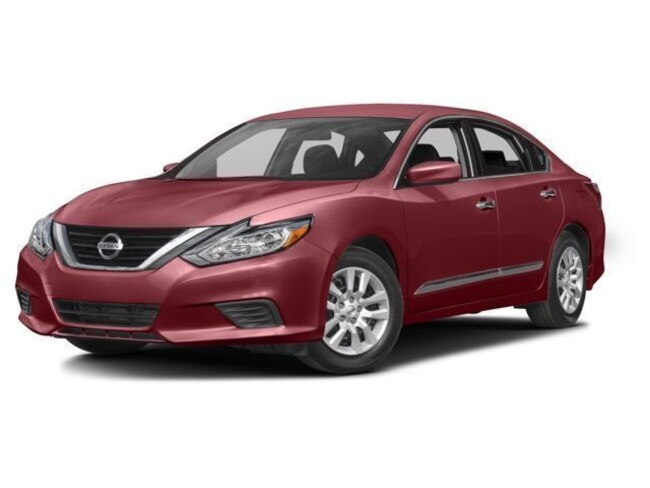 Used 2017 Nissan Altima 2.5 Sedan for sale near Playa Vista