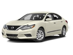 Used 2017 Nissan Altima 2.5 Sedan 1N4AL3AP3HC144232 for sale in Saint James, NY at Smithtown Nissan