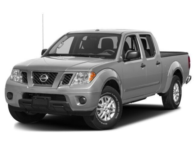 Used 2017 Nissan Frontier SV Truck Crew Cab for sale in Fresno, CA
