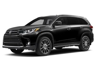New 2017 Toyota Highlander Limited V6 SUV for sale in Southfield, MI at Page Toyota