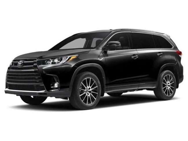 2017 Toyota Highlander SE 4D Sport Utility For Sale in Redwood City, CA