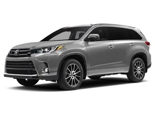 New 2017 Toyota Highlander XLE V6 SUV for sale in Southfield, MI at Page Toyota