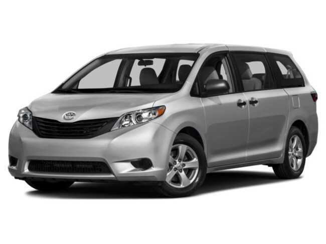 Used vehicles 2017 Toyota Sienna for sale near you in Lemon Grove, CA