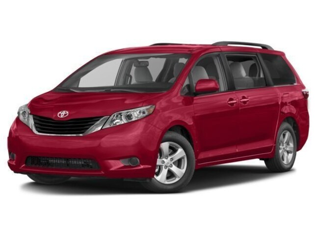 New 2017 Toyota Sienna LE 7 Passenger Van for sale in the Brunswick, OH