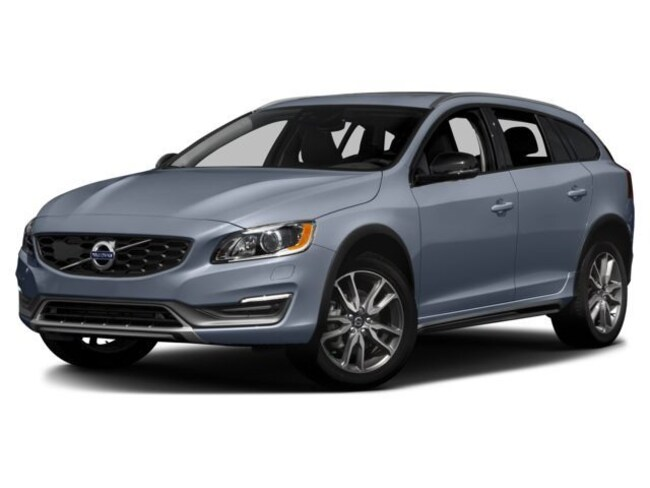 2017 Volvo V60 Cross Country T5 AWD Platinum Station Wagon