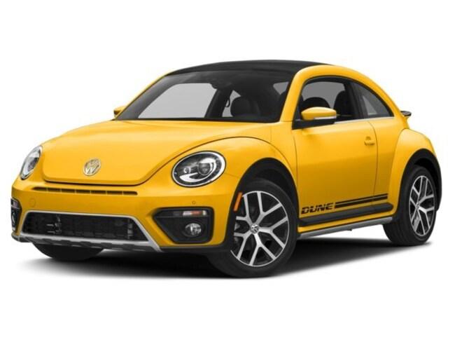 New 2017 Volkswagen Beetle 1.8T Dune Hatchback in Bloomington IN