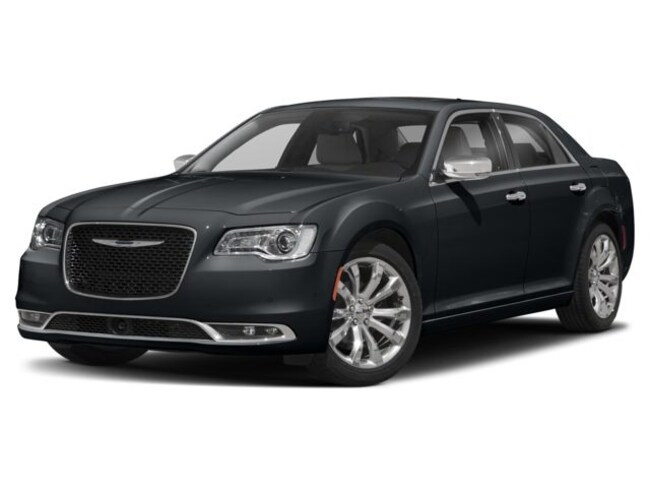 New 2018 Chrysler 300 TOURING Sedan in New Bern NC