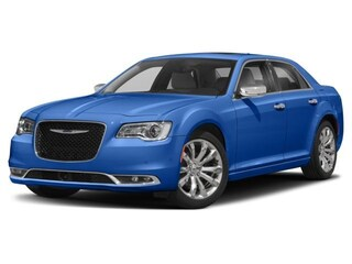 New 2018 Chrysler 300 LIMITED Sedan 2C3CCAEG9JH308625 in Big Spring, TX