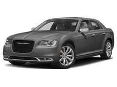 Pre-Owned 2018 Chrysler 300 For Sale in Salem | Withnell Dodge