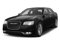 New 2018 Chrysler 300 C Sedan Riverdale