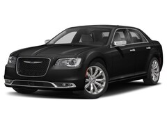 New 2018 Chrysler 300 TOURING AWD Sedan Mount Pleasant