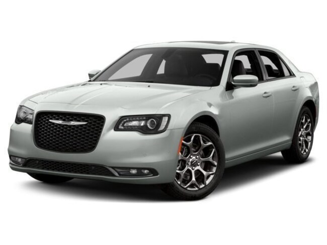 New 2018 Chrysler 300 S Sedan Long Island
