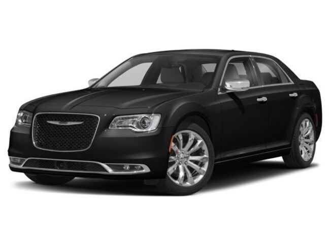 Pre-Owned  2018 Chrysler 300 Limited Sedan in Mitchell, SD