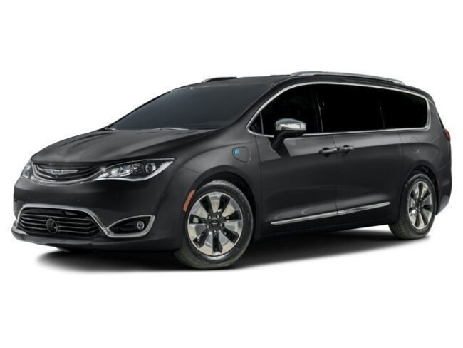 New 2018 Chrysler Pacifica HYBRID LIMITED Passenger Van in Simsbury