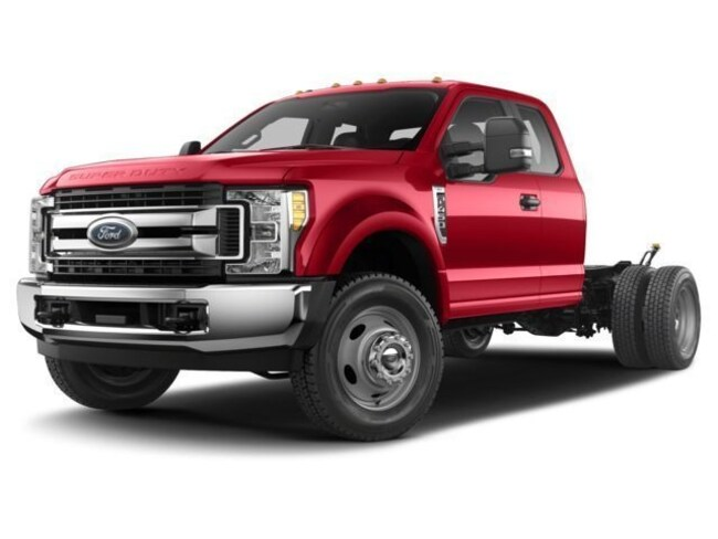 2018 Ford F-350 Chassis XL 4WD Supercab 168 WB 60 CA Truck Super Cab