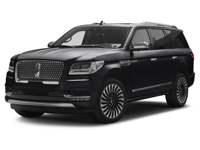 2018 Lincoln Navigator Select 4x4 with Navigation, Moon Roof, 7 Passenger 4x4 Select