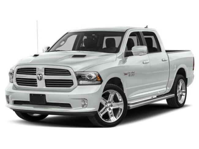 2018 Ram 1500 NIGHT CREW CAB 4X4 5'7 BOX Crew Cab 4x4