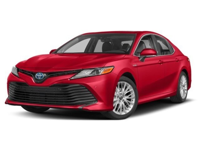 2018 Toyota Camry Hybrid SE Sedan
