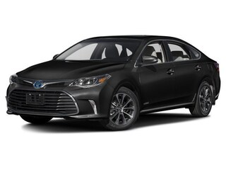 New 2018 Toyota Avalon Hybrid XLE Premium Sedan 1861371 near Auburn, MA