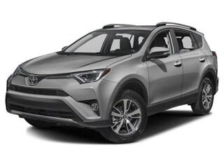 2018 Toyota RAV4 XLE SUV JTMWFREV8JD112220