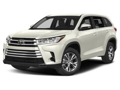 New 2018 Toyota Highlander LE V6 SUV in Dallas, TX