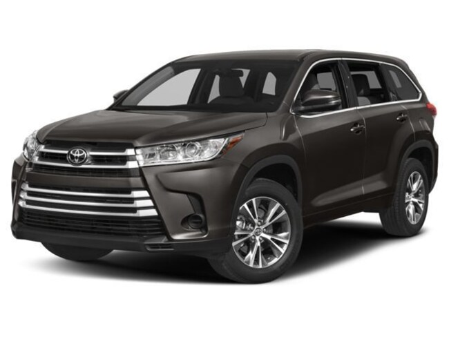 New 2018 Toyota Highlander LE V6 SUV For Sale in Barstow, CA