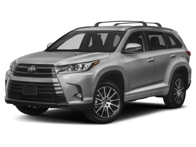 New 2018 Toyota Highlander SE V6 SUV for sale in the Brunswick, OH