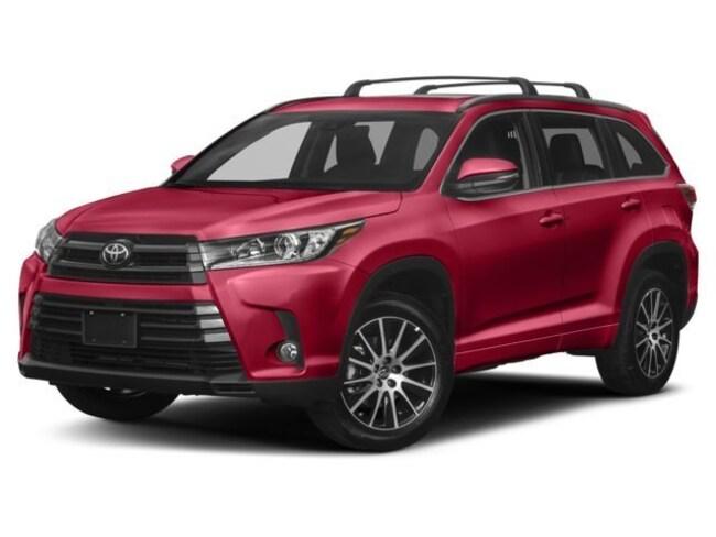 New 2018 Toyota Highlander SE SUV 5TDJZRFH1JS536479 Peoria